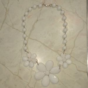 Jewelry - White Flower Necklace 17in. Long